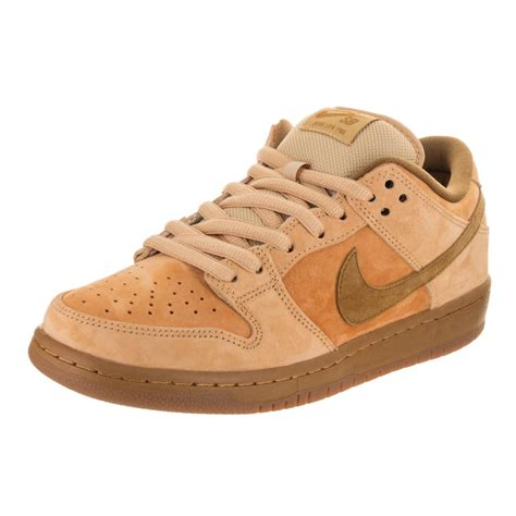 Men's SB Dunk Low TRD QS Skate Shoe