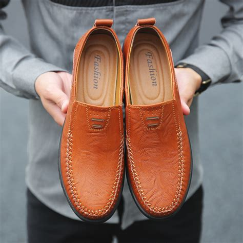 Men's Slip On Loafers Shoes Genuine Leather Driver Shoes Casual Fashion Slipper
