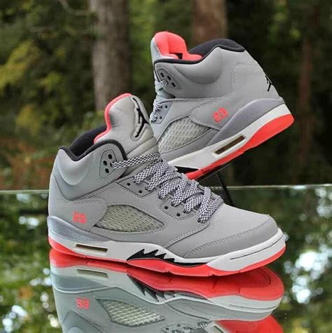 Men's Wow 5 Grey and Lava Red Basketball Shoe