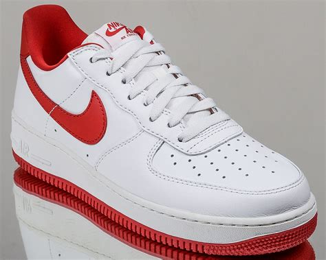 Mens Air Force 1 Retro Low Basketball Shoe