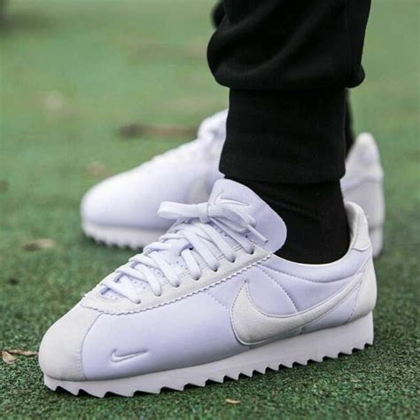 Mens Classic Cortez Shark Sneakers White 11