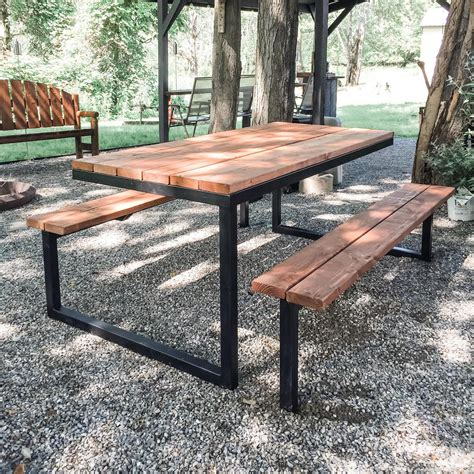 Metal-And-Wood-Picnic-Table-Plans