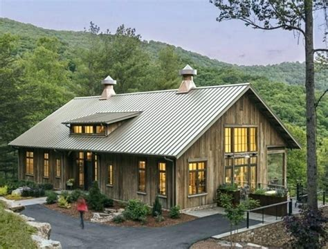 Metal-Barn-Style-Home-Plans