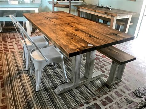 Metal-Chairs-Farmhouse-Table
