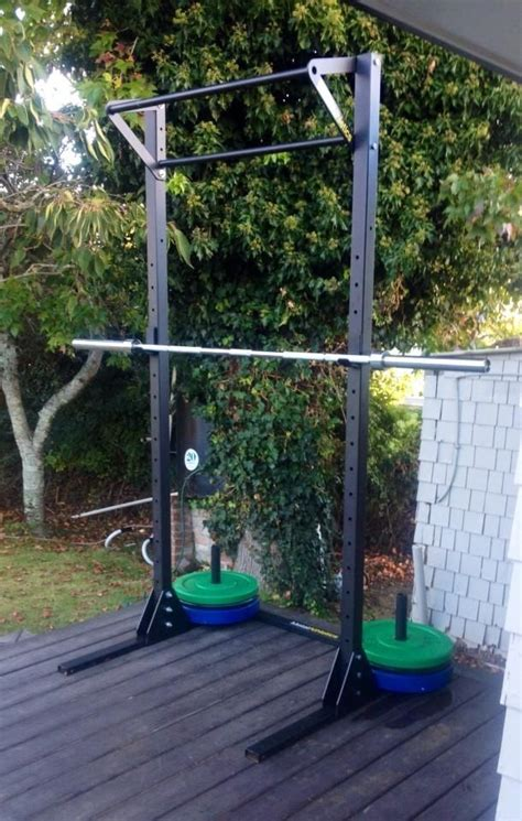 Metal-Squat-Rack-Diy