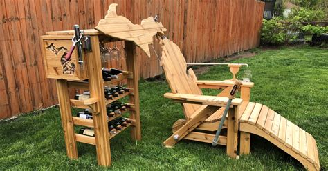 Michigan-Adirondack-Chair-Wine-Dispenser