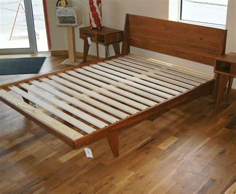 Mid-Century-Bed-Woodworking-Plans