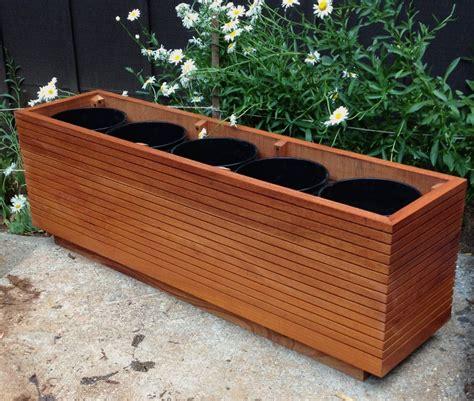 Mid-Century-Modern-Planter-Box-Plans