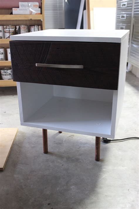 Mid-Century-Modern-Side-Table-Plans