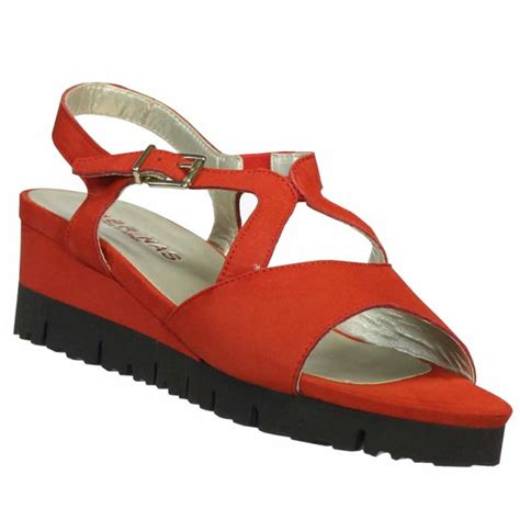 Mikonos Women's Nubuck Red/Black Leather Sandals Red 8
