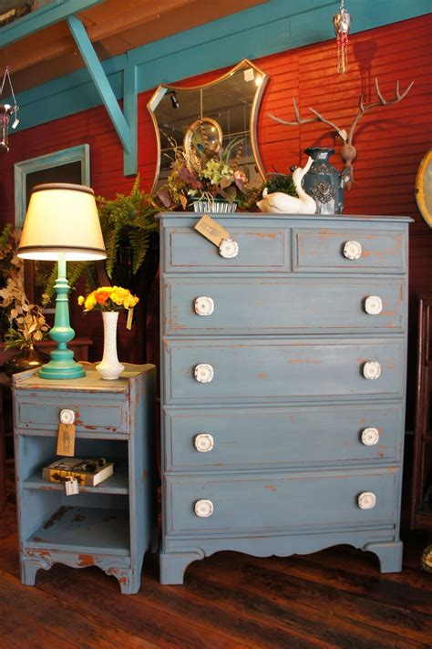 Milk-Paint-Furniture-Diy