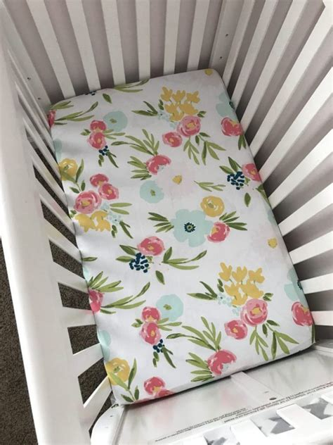Mini-Crib-Sheets-Diy