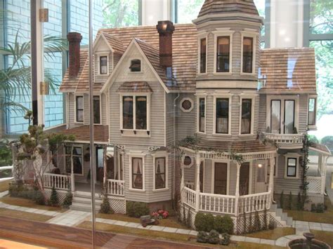 Miniature Dollhouse Design