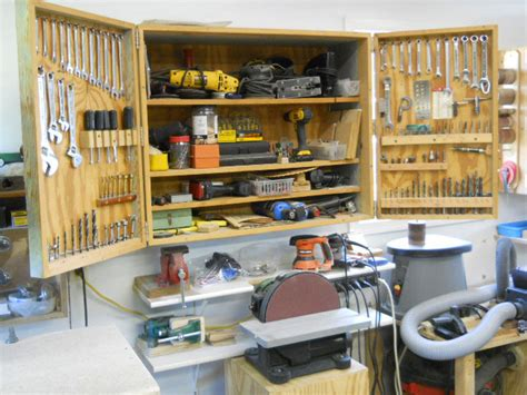 Minimalist-Woodworking-Shop