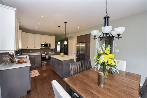 Model Home Dining Room And Kitchen Images