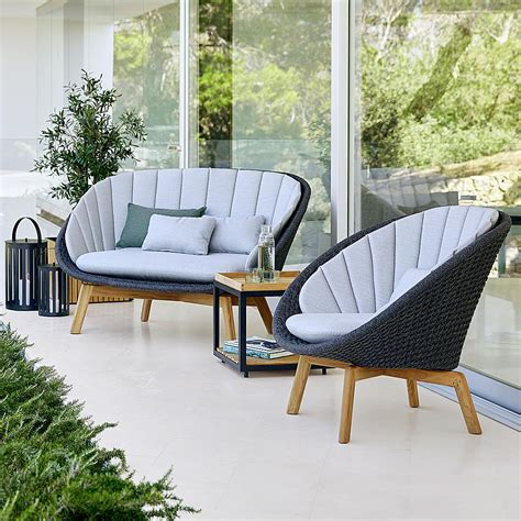 Modern Outdoor Furniture Lines