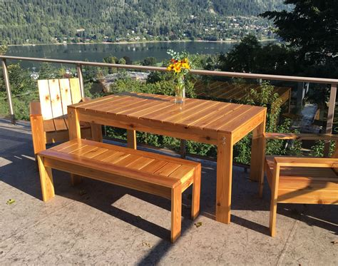 Modern Outdoor Table DIY