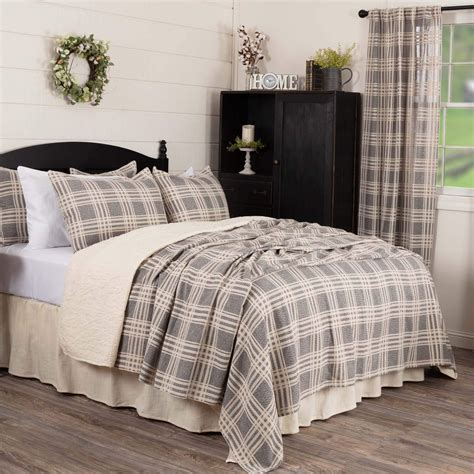 Modern-Farmhouse-King-Bedding