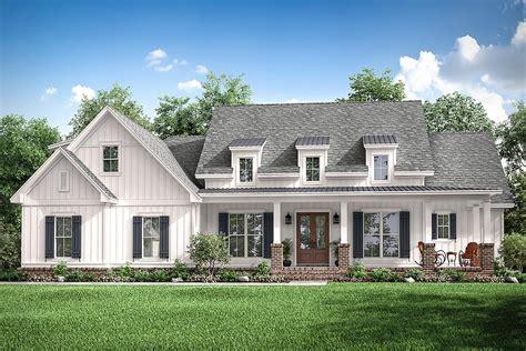 Modern-Farmhouse-Plans-Architectural-Designs