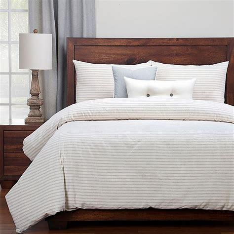 Modern-Farmhouse-Stripe-Bedding