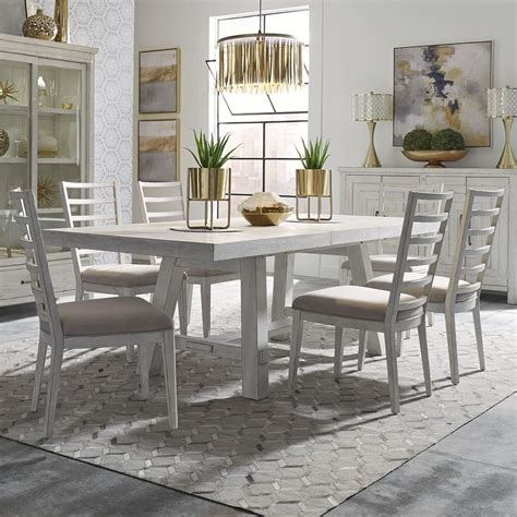 Modern-Farmhouse-Table-And-Chairs