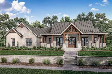 Modern-Texas-Farmhouse-Plans
