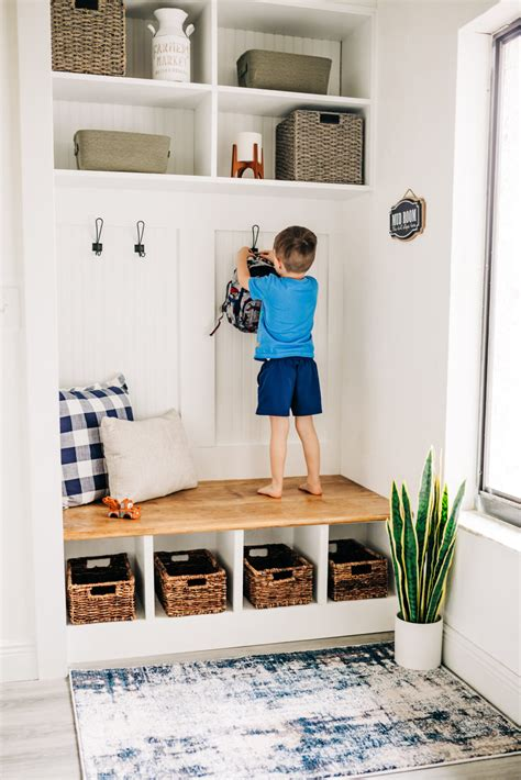 Mudroom-Diy-Bench