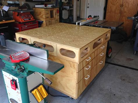 Multi-Purpose-Woodworking-Table