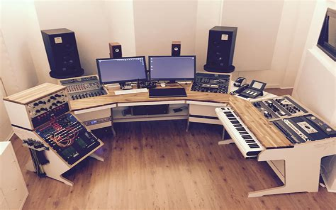 Music-Studio-Desk-Plans