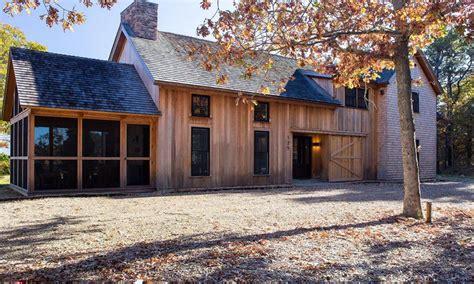 New-England-Barn-Style-House-Plans