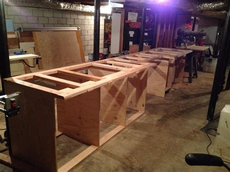 New-Yankee-Workshop-Assembly-Table-Plans