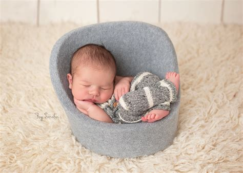 Newborn Posing Chair Diy