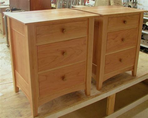 Nightstand-With-Drawers-Plans