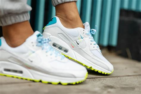 Nike Air Offense Womens Sneakers