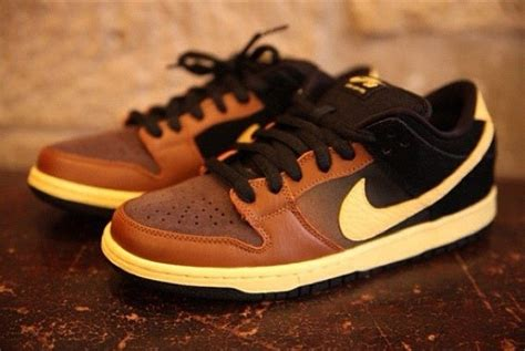 Nike Black And Tan Sneakers