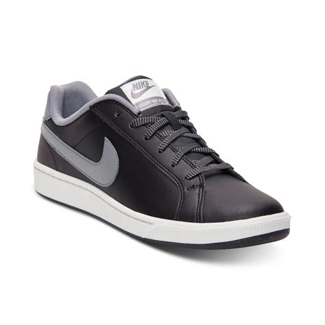 Nike Court Majestic Sneakers