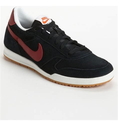 Nike Field Trainer Leather Sneakers