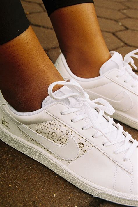 Nike Flyleather Tennis Classic Sneaker