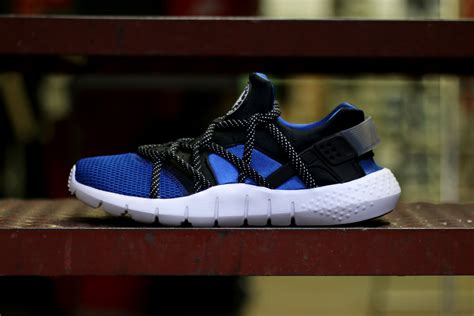 Nike Huarache Nm Neoprene Sneakers