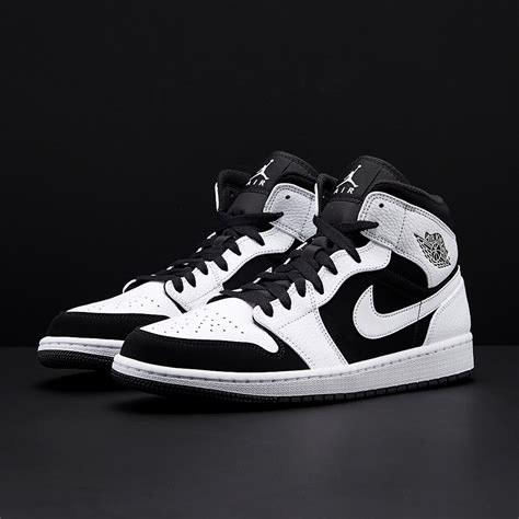 Nike Jordan Men's Air Jordan 1 Mid Black/White Basketball Shoe 10.5 Men US