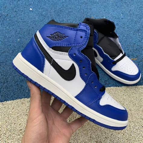 Nike Kid Sneakers Sale