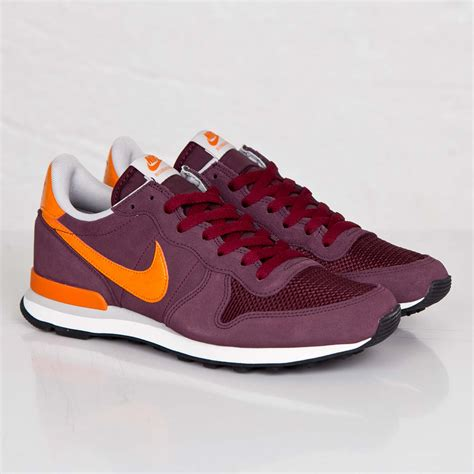 Nike Leather Sneakers On Sale