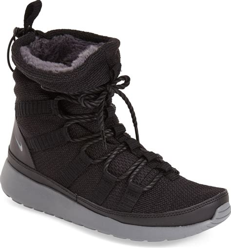 Nike Roshe One Sneaker Boot