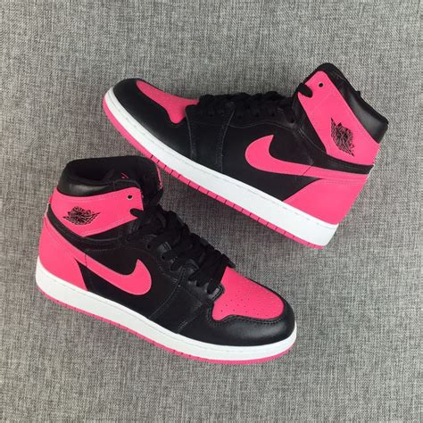 Nike Sneakers Pink And Black