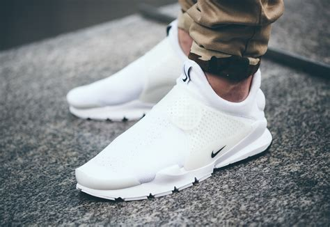 Nike Sneakers Sock Dart