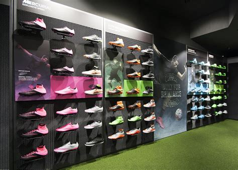 Nike Sneakers Stores
