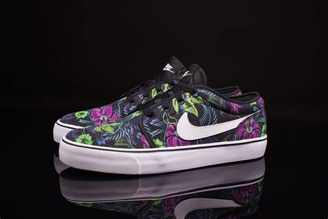 Nike Toki Low Womens Sneakers