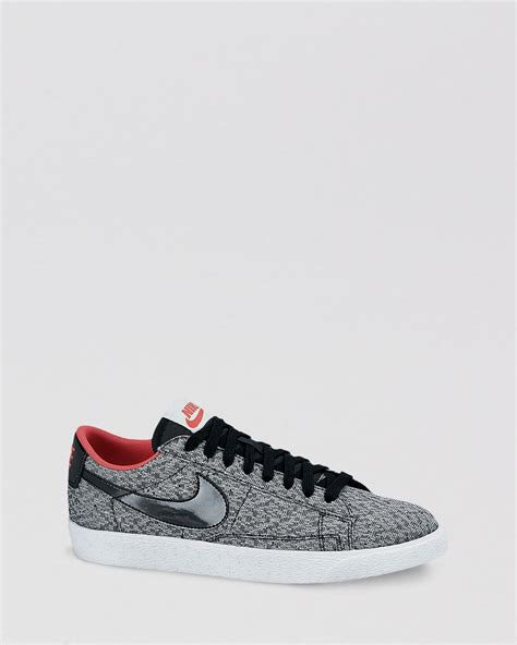 Nike Womens Low Top Sneakers