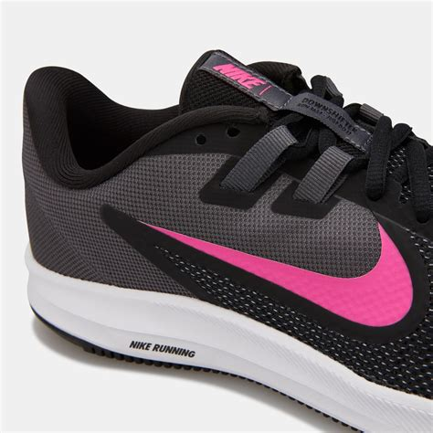 Nike Womens Sneaker With Traction