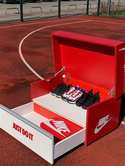 Nike-Shoe-Rack-Diy